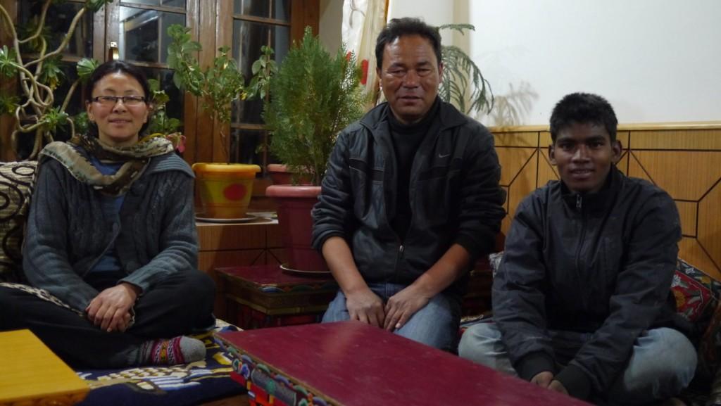 ครอบครัวเจ้าของเส้าหลิน เกสต์เฮาส์ (เครดิตภาพ: Pudkrong Kaewpichit)